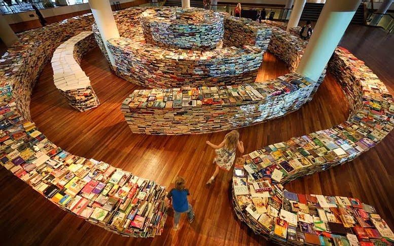 Labirinto di libri nel cuore di Londra