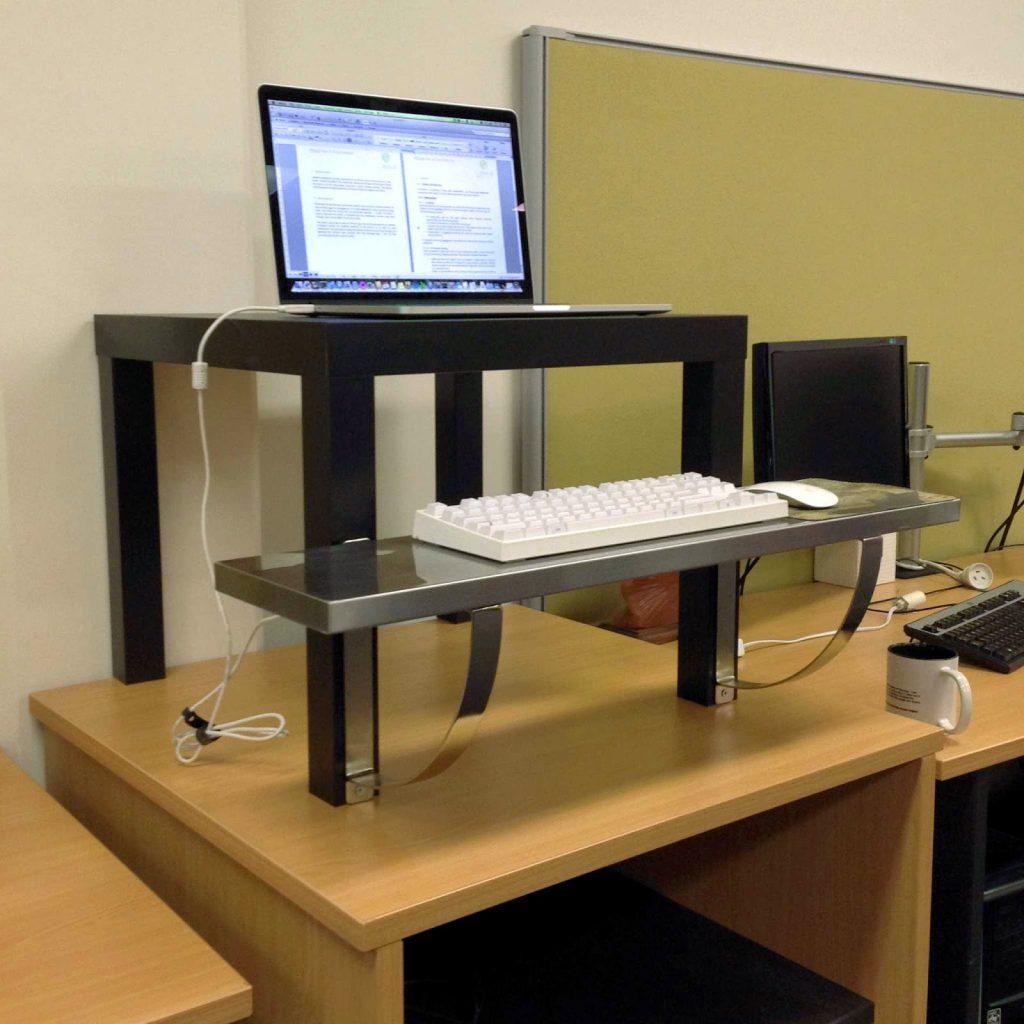 regali per scrittori: standing desk