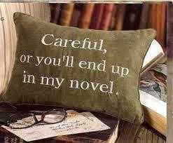 regali per scrittori: cuscino minaccioso