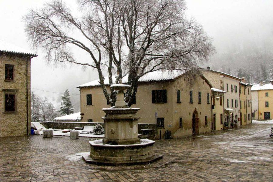 Racconto - La piazza di Casalbano