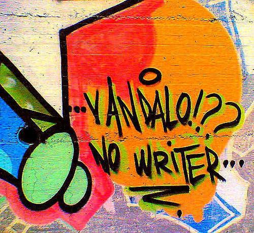 Si può scrivere con gusto anche su un muro...