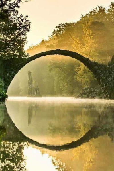 La transizione è un ponte, come questo antico a Český Krumlov, nella Repubblica Ceca.